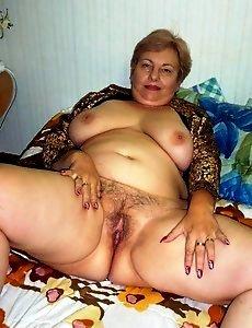 Порно негр трахал маму большой член